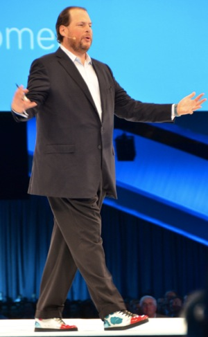 Benioff-Onstage-with-Cloud-Shoes-Dreamforce-13